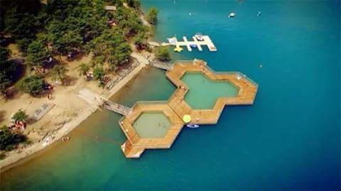 piscine bois vieux